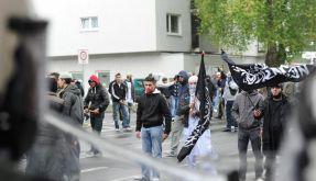 Zentralrat der Muslime verurteilt salafistische Gewalt (Foto)