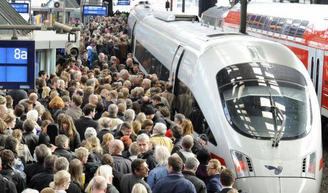 Zug überfüllt: Bahn zahlt 25 Euro fürs Aussteigen (Foto)