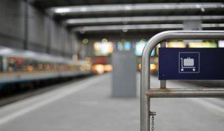 Zugbegleiter lässt Siebenjährigen auf Bahnsteig allein (Foto)
