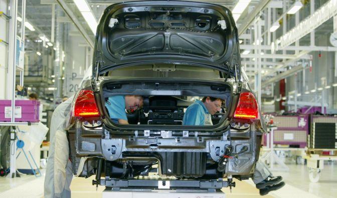 Zur Eröffnung im Jahr 2005 wurde im BMW-Werk in Leipzig an einem BMW der 3er Reihe gearbeitet. (Foto)