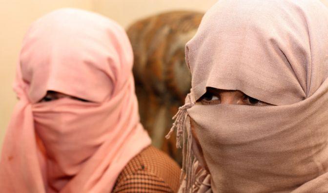 Zwei jesidische Frauen berichten von ihrer Gefangenschaft beim IS. Symbolbild. (Foto)