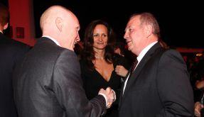 Zwei, die sich verstehen: Matthias Sammer gratuliert Uli Hoeneß zum 60. Geburtstag. (Foto)