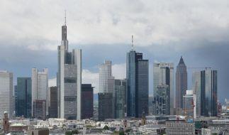 Zwei typische Merkmale von Banken: Hohe Türme und hohe Sonderzahlungen. (Foto)