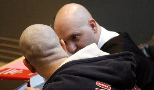 Zwei Nazis auf der Anklagebank (Foto)
