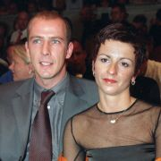 Zweiter Liebes-Versuch beim ehemaligen Fußballer Mario Basler und seiner zweiten Ehefrau Iris: Acht Jahre nach ihrer Scheidung sind sie eigenen Angaben zufolge wieder ein Paar. (Foto)