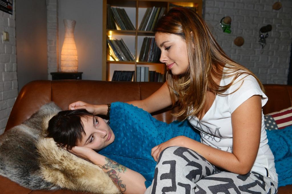Gzsz Wochenvorschau Jasmin Und Anni Gegen Lesben Diskriminierung
