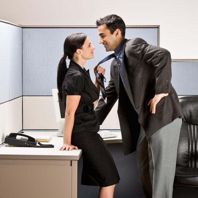 Уломал секретаршу на секс смотреть