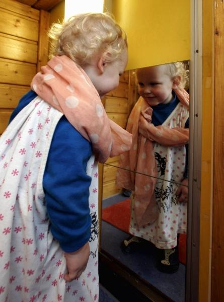 Wann Erkennen Sich Kinder Im Spiegel