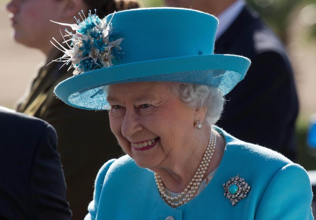 Queen Elizabeth Wird 90 Spektakulare Paraden Und Wucher Preise So