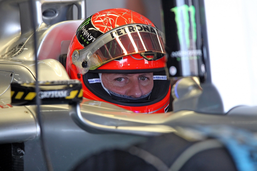 michael schumacher blick nach vorn corinna hat einen neuen job. Black Bedroom Furniture Sets. Home Design Ideas
