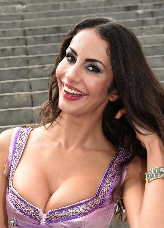 Janina Youssefian Ganz Privat Single Oder Nicht So Lebt Die Adam