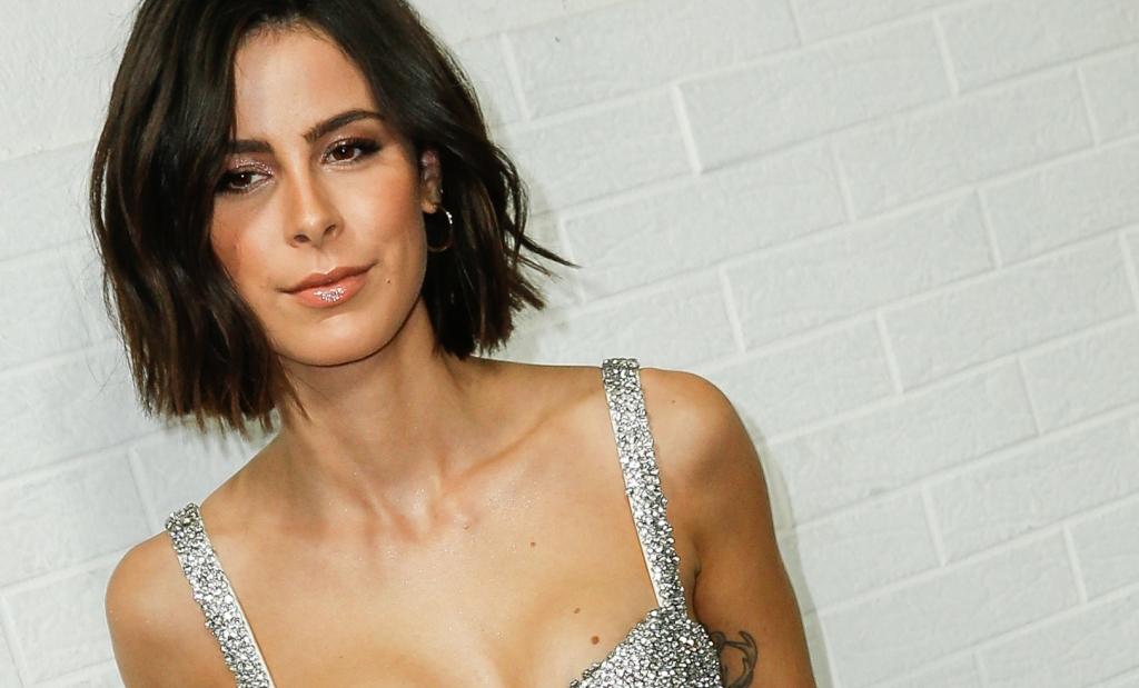 36f58767a1037 Lena Meyer-Landrut: Sexy Bikini-Show! SO bewirbt Lena ihre neue ...