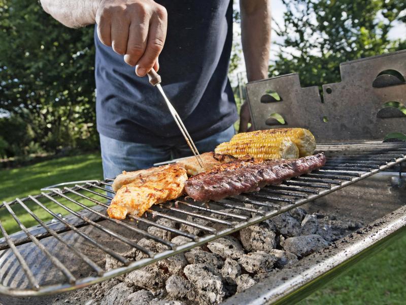 Gas Oder Holzkohlegrill Eine Glaubensfrage : Gas kohle oder elektro welcher grill ist der richtige für sie