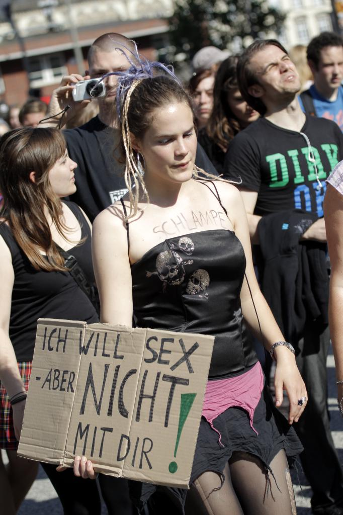 Slutwalk in Leipzig: Schlampe - und stolz darauf   news.de
