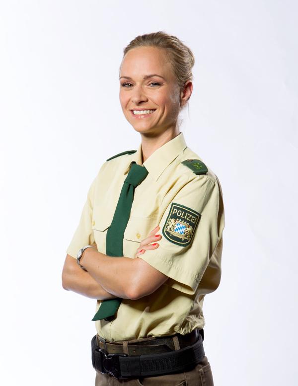 TV-Polizistin Annett Fleischer nackt im
