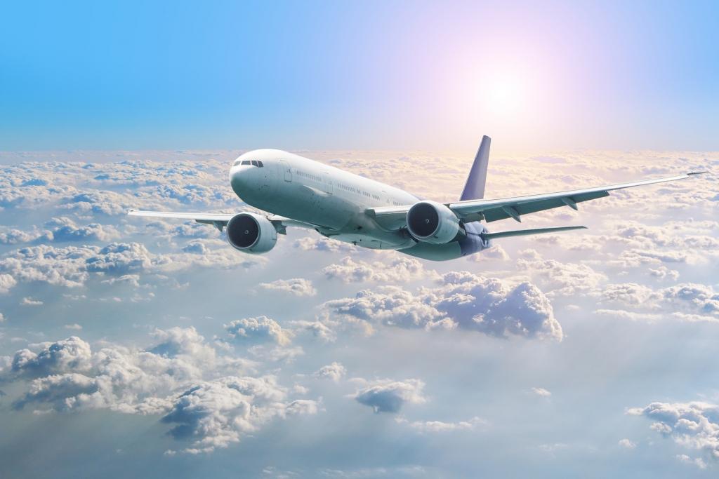 Absturz von Flug SJY182?: Trümmer gefunden! Boeing mit 62 ...