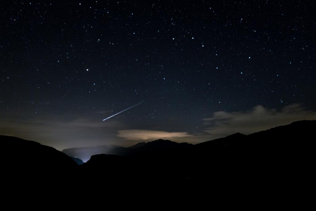 Sternschnuppen im August 2020: Perseiden am Nachthimmel ...