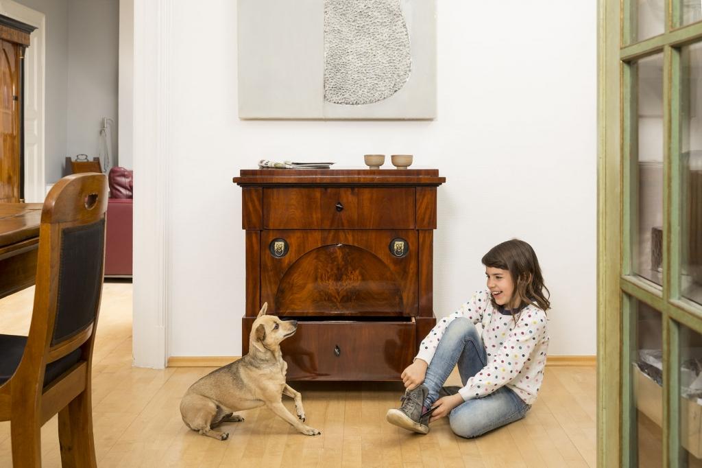 einrichten wohnzimmer mit alter schrankwand finden und. Black Bedroom Furniture Sets. Home Design Ideas