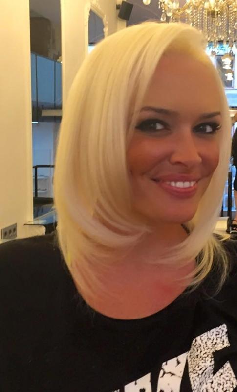 Neue Frisur Aber Welche | Daniela Katzenberger Mit Neuer Frisur Aus Und Vorbei Die Katze
