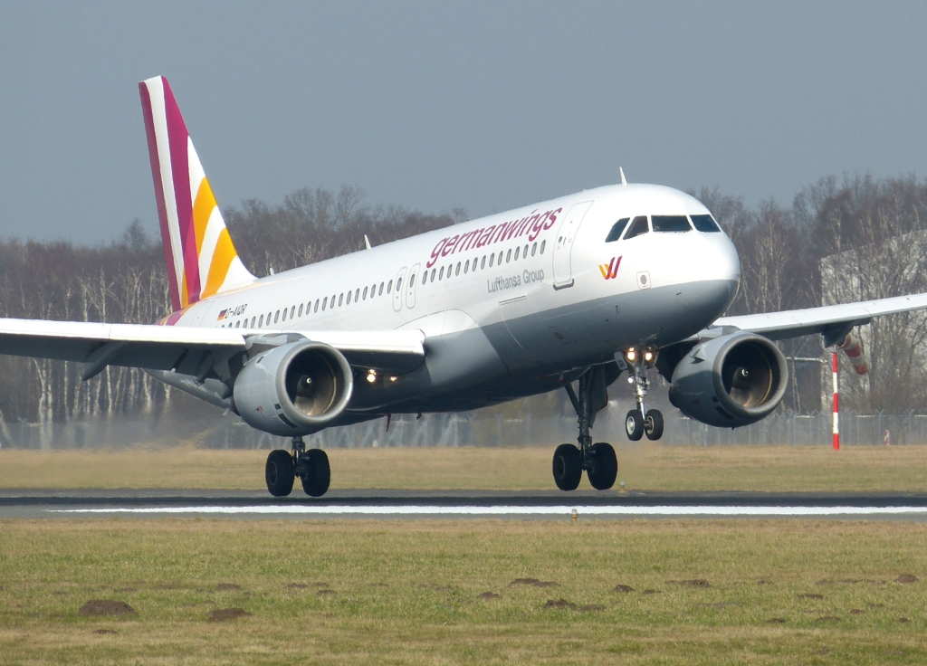 Flugzeugabsturz In Frankreich Germanwings Flug 4u9525 Airbus Nahe Nizza Abgesturzt News De