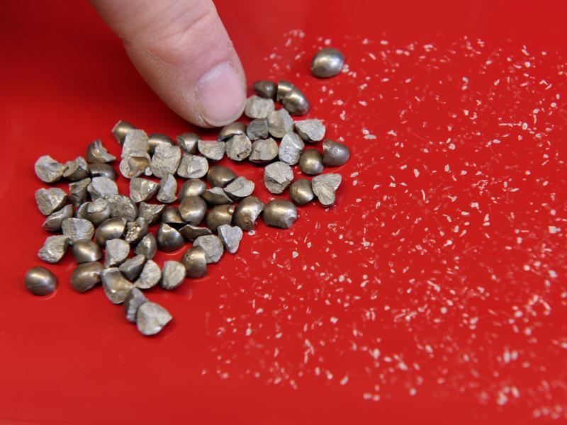 Steinschlag Im Autolack Wie Lasst Sich Ein Lackschaden Ausbessern