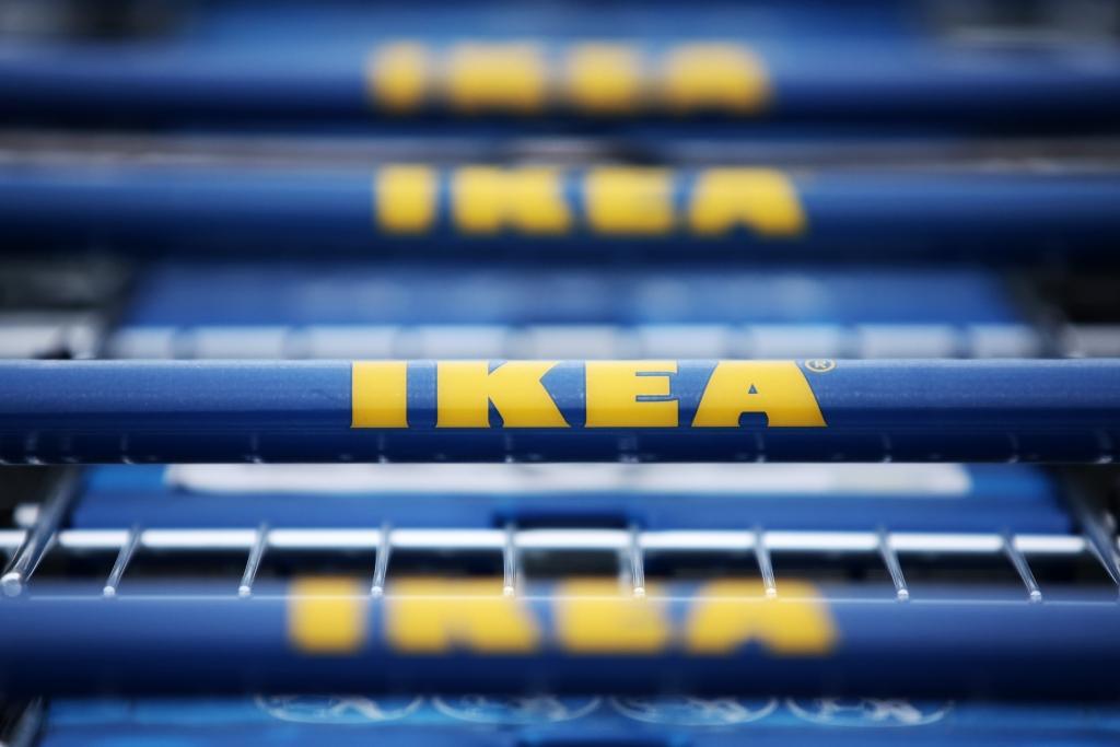 Neu Bei Ikea Verkauft Ikea Hakenkreuz Tisch Hadølf Für 88 Euro