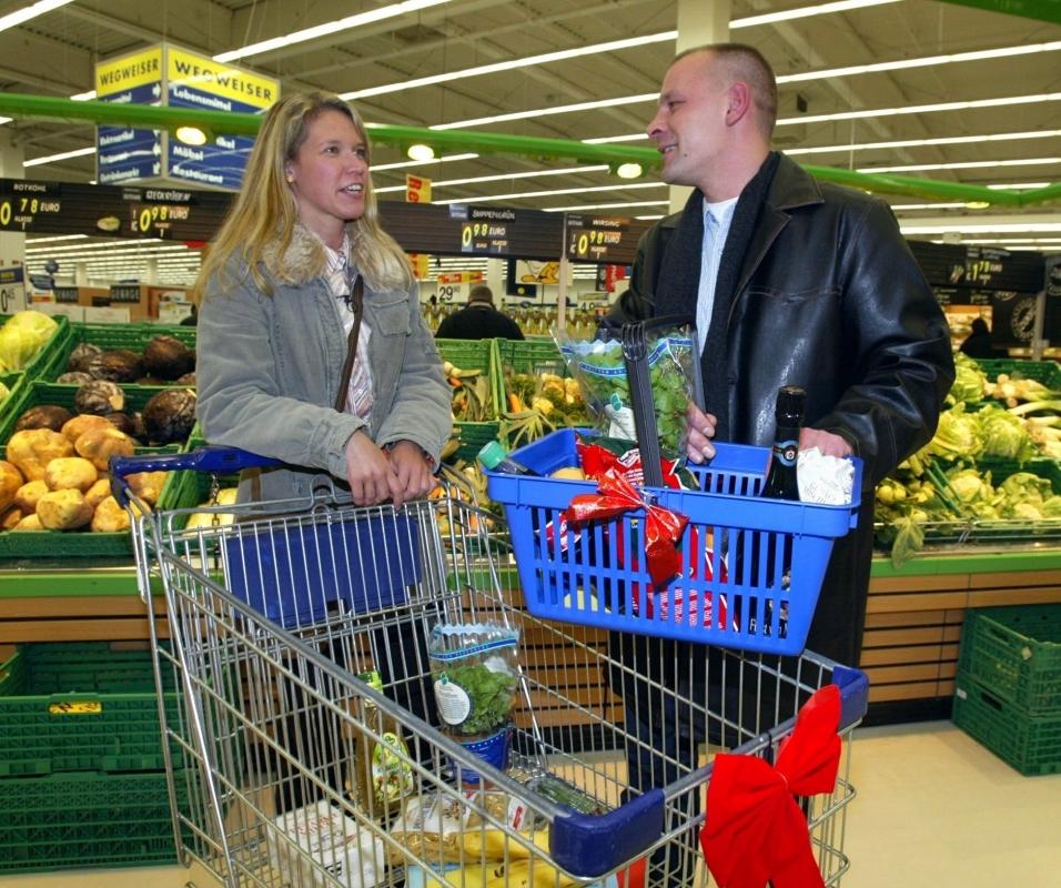 Tindern beim Einkaufen? – Supermarkt stellt Dating-Konzept für Kunden vor (Video)