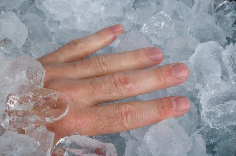 blauen dicken finger ohne verletzung
