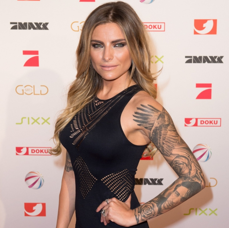 Sophia Thomalla fast nackt: Wenig Stoff! SO sexy bettet