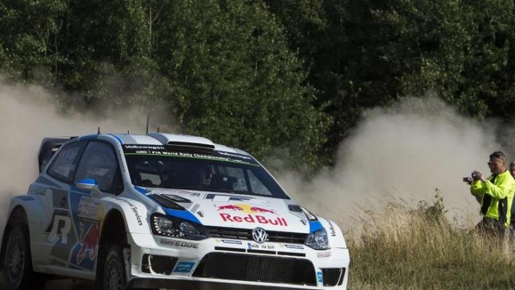 VW-Pilot Sébastien Ogier will bei der Deutschland-Rallye den Fluch brechen und endlich wieder siegen.