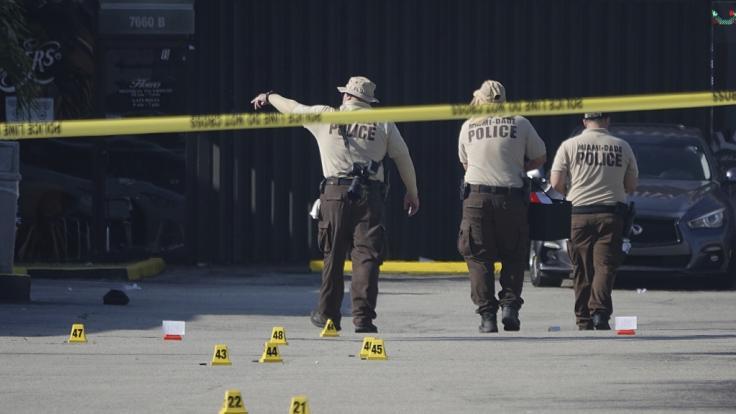 In Miami im US-Bundesstaat Florida sind bei einer Schießerei zwei Menschen getötet und mindestens 20 weitere verletzt worden. (Foto)