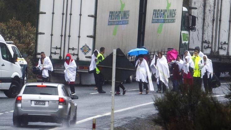 Ein schweres Busunglück hat in Neuseeland mehrere Todesopfer und zahlreiche Verletzte gefordert. (Foto)