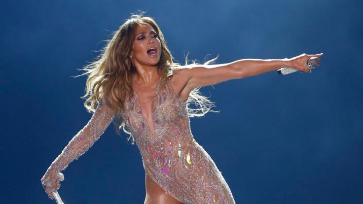 Jennifer Lopez gibt es bei Facebook jetzt fast zum Anfassen. (Foto)