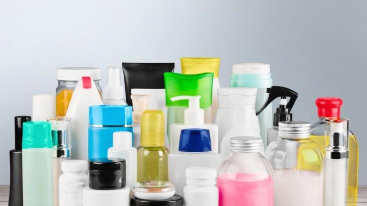 Kosmetikhersteller versprechen ihren Kunden gern das Blaue vom Himmel.