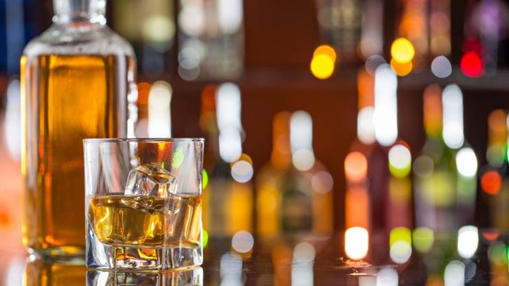 Mal wieder einen über den Durst getrunken? Diese Apps helfen! (Foto)