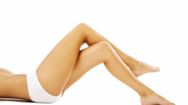 Attraktive Beine ohne Krampfadern oder Besenreiser sind der Traum einer jeden Frau.