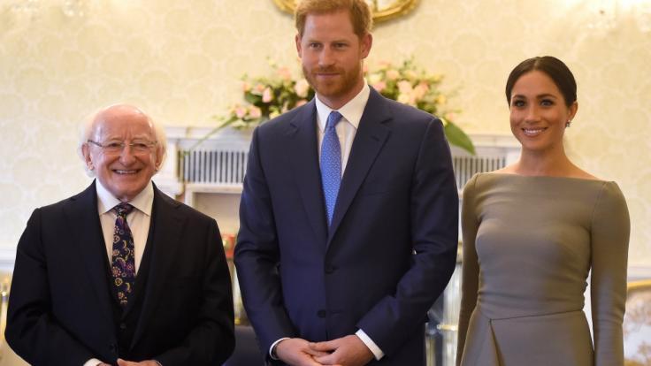 Dieses Kleid von Meghan Markle lässt der Fantasie keinen Spielraum - jeder kann sehen, was die Herzogin von Sussex drunter trägt. (Foto)