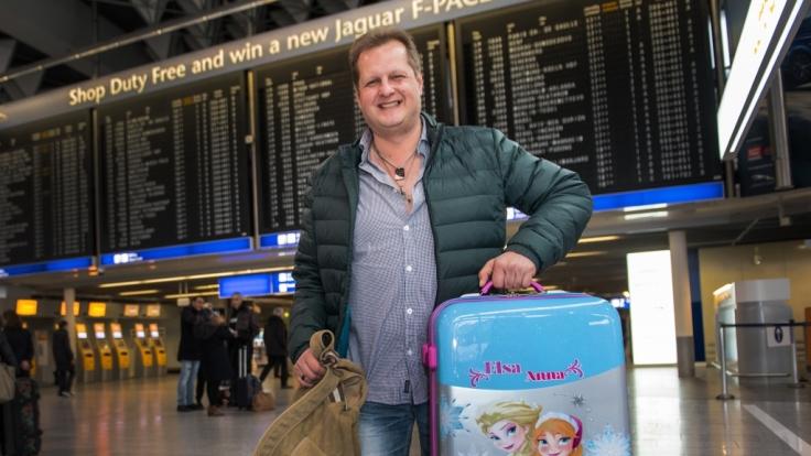 Jens Büchner liest seinen Zwillingen alle Wünsche von den Augen ab.