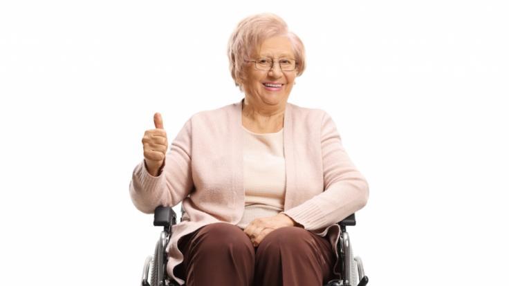 Eine Seniorin aus England hat eine Coronavirus-Infektion überlebt - obwohl sie 100 Jahre alt ist und Vorerkrankungen aufwies (Symbolbild). (Foto)
