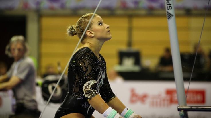 Turnsport-Star Elisabeth Seitz. Die Erfolgsturnerin setzte bei der EM in Basel zuletzt ein starkes Zeichen mit einem besonderen Anzug. (Foto)