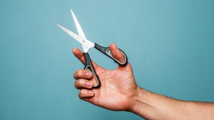 Ein Mann hat seinen Bruder mit einer Schere erstochen. (Foto)