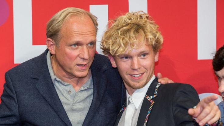 Simon Jensen (re.) mit Schauspieler Ulrich Tukur. (Foto)