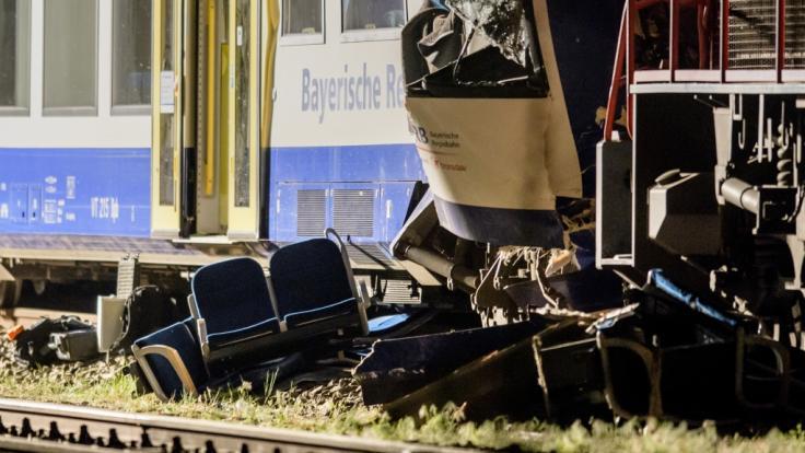 Bei Zugunfällen in Aichach und Seeshaupt in Bayern kamen am Montag insgesamt vier Menschen ums Leben, mehr als 70 wurden verletzt.