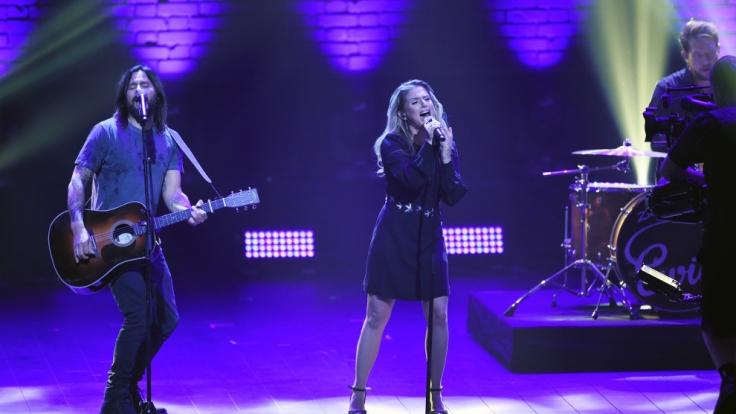 Jeanette Biedermann und ihre Band Ewig beim Bundesvision Song Contest 2015.