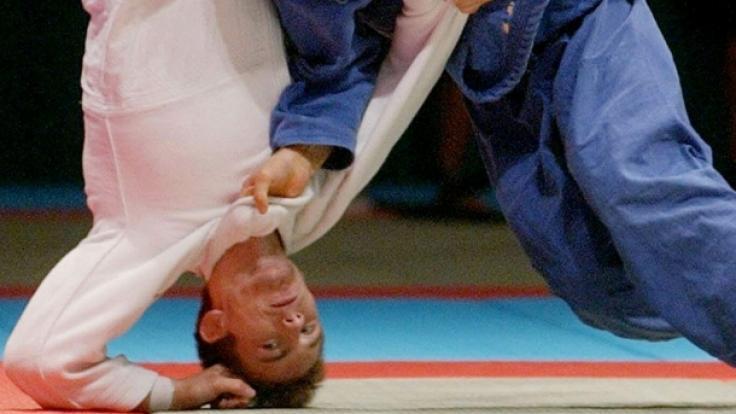 Craig Fallon, hier links im Bild, bei der Judo-Weltmeisterschaft im Jahr 2003. (Foto)