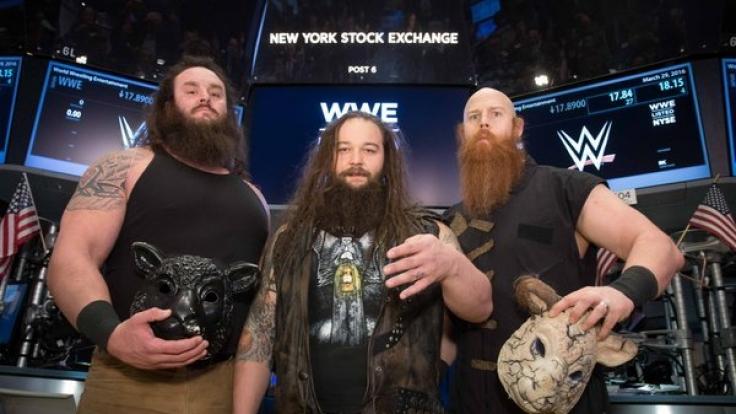 WWE-Superstar Bray Wyatt (m.) trifft bei