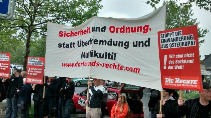 Anhänger von Die Rechte bei einer Kundgebung im April 2014. (Foto)