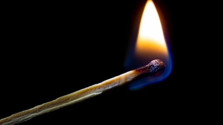 Ein Mann hat sich vor einem Londoner Pub selbst in Brand gesetzt (Symbolbild). (Foto)