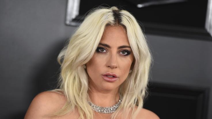 """Lady Gaga wirbt """"topless"""" für ihre neue Kosmetik-Linie. (Foto)"""