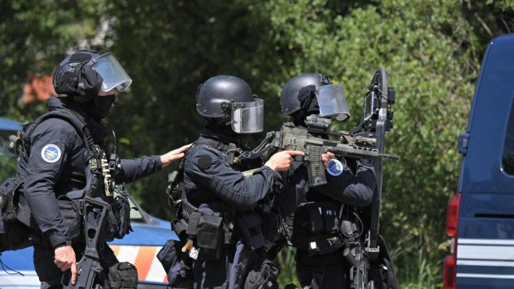 Die französische Polizei war tagelang einem mutmaßlichen Frauenmörder auf den Fersen - nun wurde der Mordverdächtige tot aufgefunden (Symbolbild). (Foto)